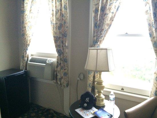 Middlebury Inn: Nuestra habitación 235 en la segunda planta.