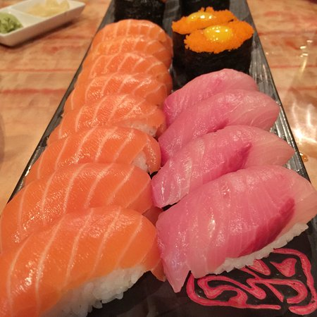 Chandler, AZ: Salmom, Yellowtail, Smelt Eggs Sushi (way too much dry rice)