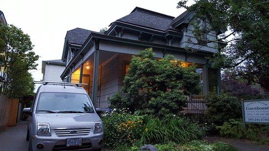 Hostelling International - Northwest Portland Hostel: 20160718_055435_large.jpg