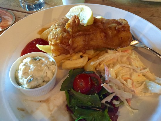 Clutton, UK: Typical cod-type fish, pretty good, generous portions