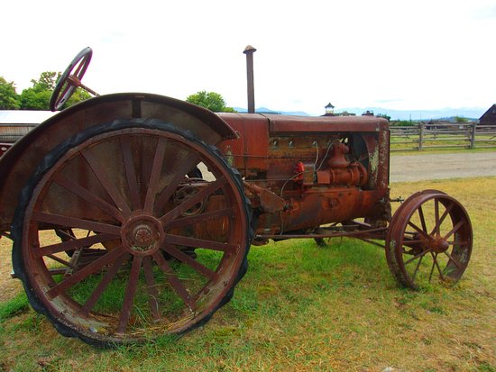 Fort Steele Heritage Town : Tractor