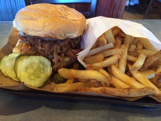 Olathe, Kansas: Pulled pork and fries