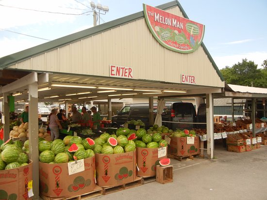 The Green Dragon Farmer's Market: One of the produce stands