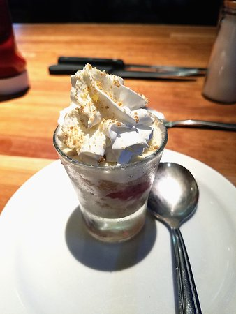 Norman, OK: Mini strawberry cheesecake