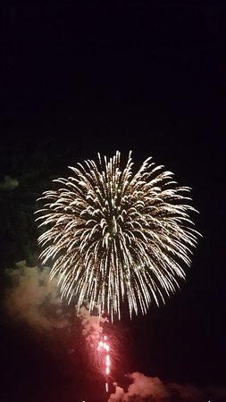 Salisbury, MA: Fireworks from the back deck