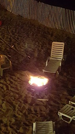Shoreline Oceanfront Rooms and Suites: Fire pit in back yard