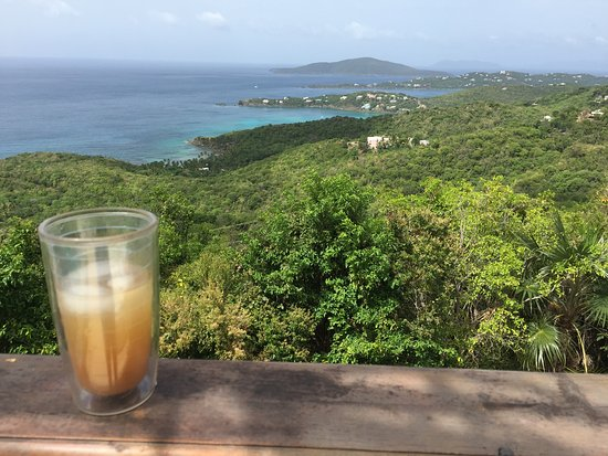 North Side, St. Thomas: Drinks with a view!