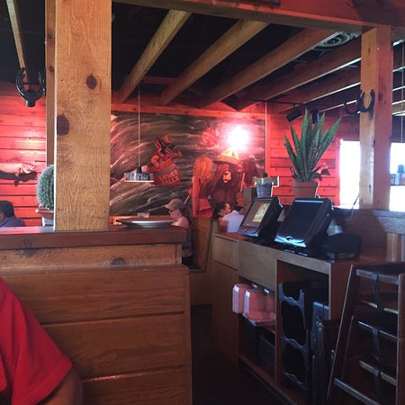 Texas Roadhouse: photo2.jpg