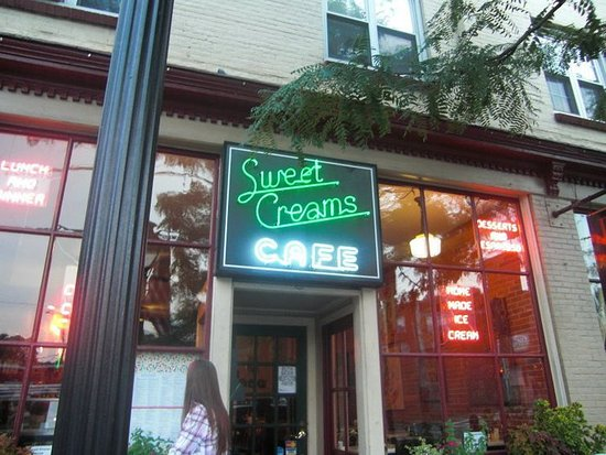 Sweet Creams Cafe: Facade of Sweet Creams
