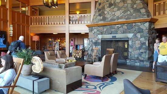 Skamania Lodge: main lodge area