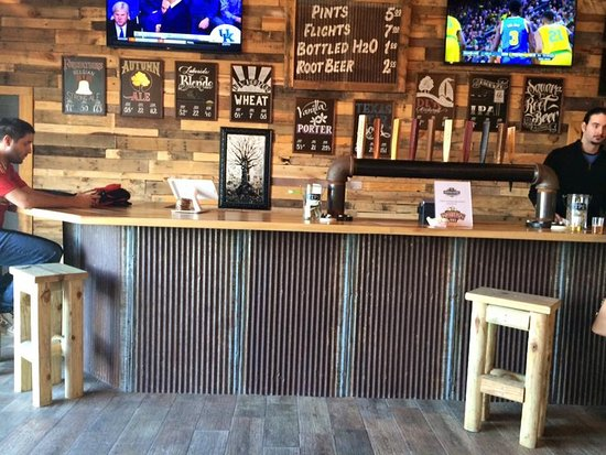 Rockwall, TX: Woodcreek taproom