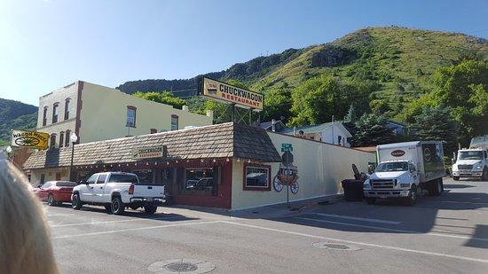 Lava Hot Springs, Айдахо: View across the street.