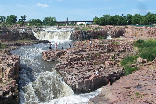 Falls Park: The Falls feature many tiers and easy but dangerous access