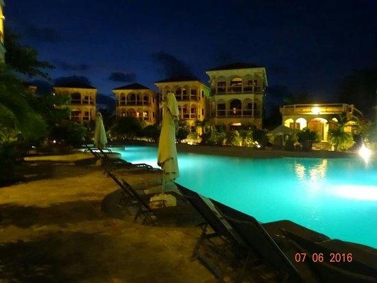 Coco Beach Resort: FB_IMG_1469413457287_large.jpg