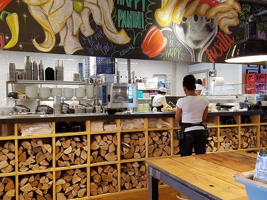 keuken   foto van happy italy, alkmaar  tripadvisor, Meubels Ideeën