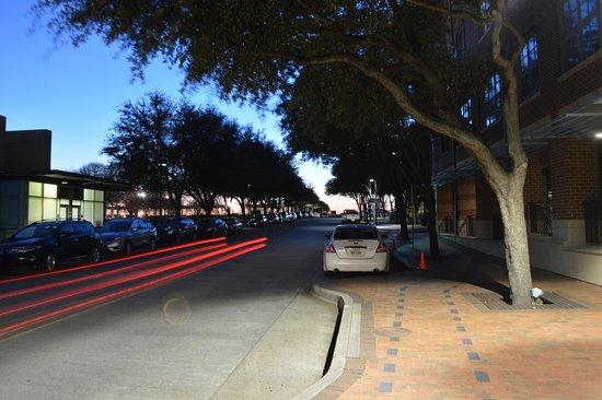 Addison, TX: landmark in saphe of a bowl