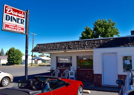 Wilbur, WA: Doxie's Dine In ... The best of small-town America