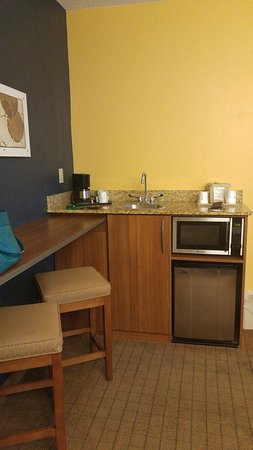 Microtel Inn & Suites by Wyndham Chili/Rochester Airport: 0721161945a_large.jpg