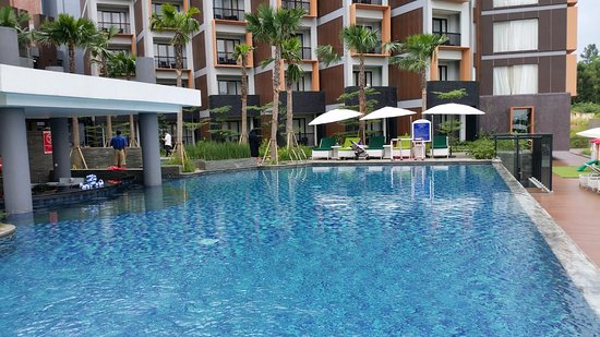 the pool area picture of aston sentul lake resort conference rh tripadvisor in
