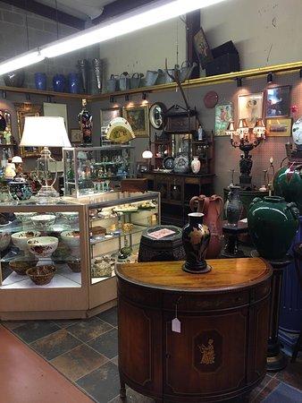 Mount Dora, FL: Renninger's Antique Center & Farmer's Flea Market