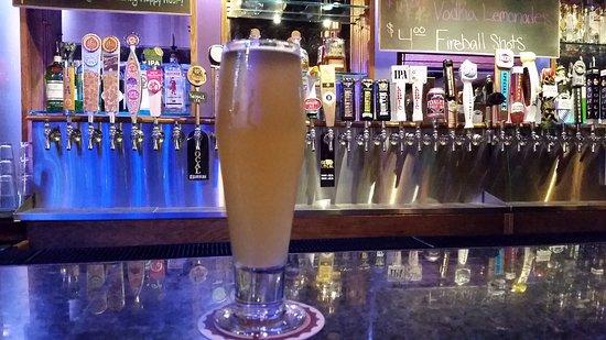 Cedar Rapids, IA: Bottoms up!