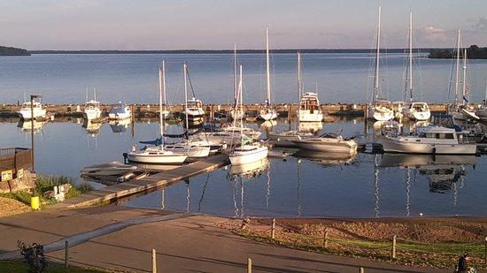 Red Cliff, WI: Legendary Waters Casino Marina