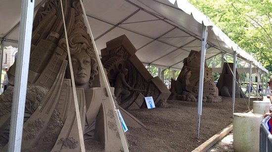 Schenley Park: sand castle competition