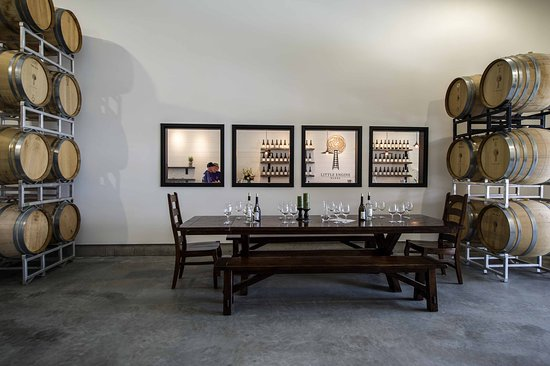 Penticton, Canadá: Barrel Room - Available for Tastings