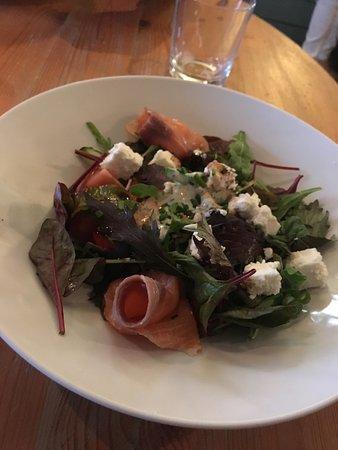 Painswick, UK: amazing salad!