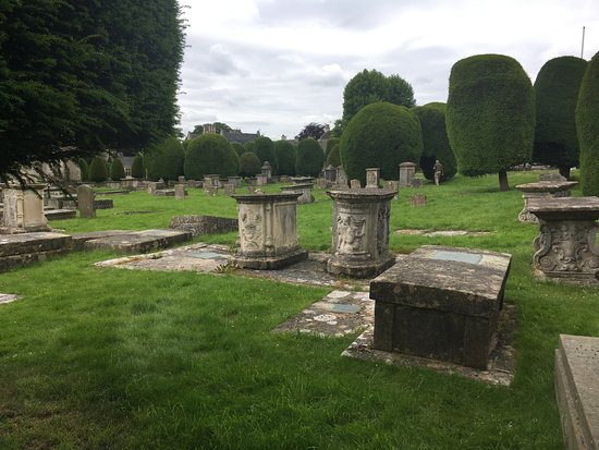 Painswick, UK: Tombstones on the property