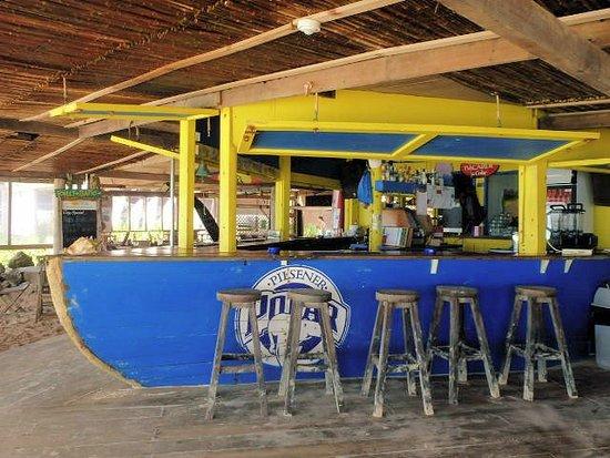 Kralendijk, Bonaire: cold beer and great panni's