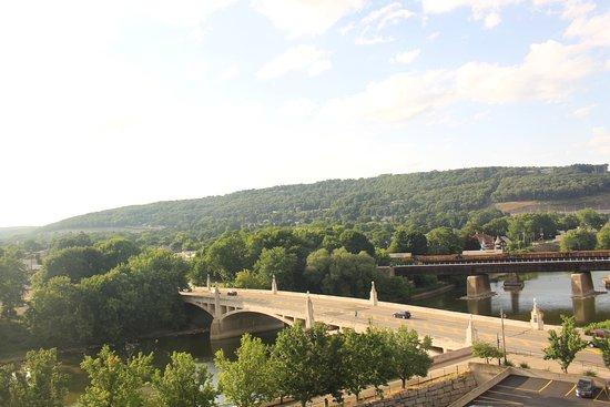 Binghamton, NY: River view room
