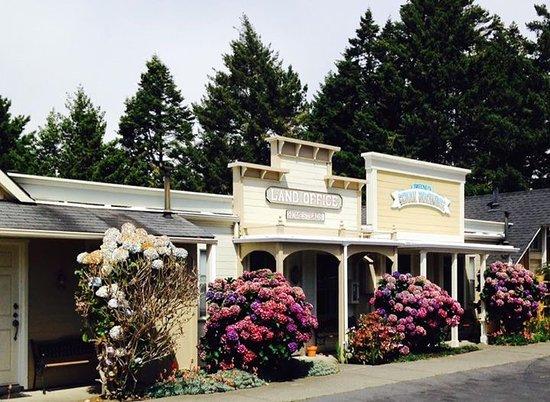 Blackberry Inn: Outside of rooms of Inn