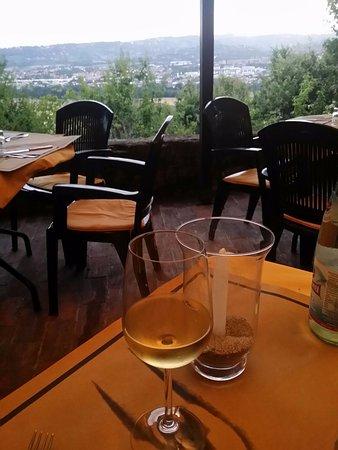 Torgiano, Italien: Panorama su Perugia