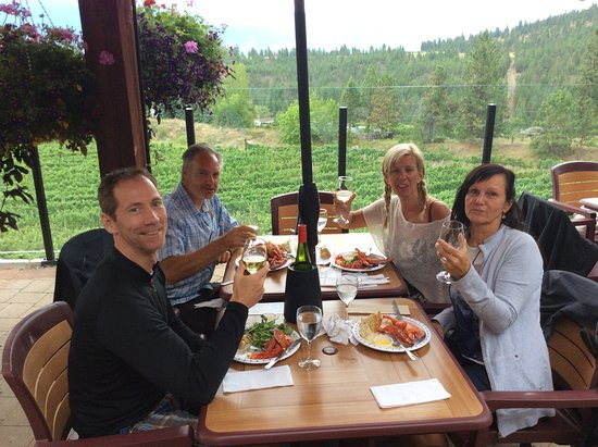 Summerland, Canada: lobster lunch at Dirty Laundry winery. Only for tours booked on Fridays.