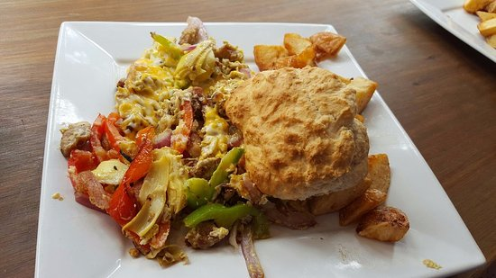El Granada, Kalifornien: #2 Scramble with home fries and home made biscuit