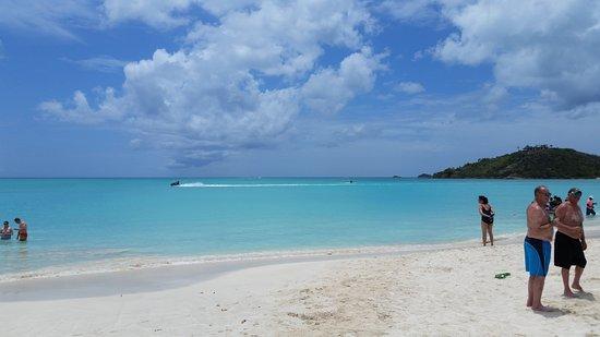 St. John's, Antigua: Jolly beach