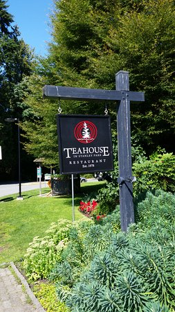 Teahouse in Stanley Park: Font Entrance Sign