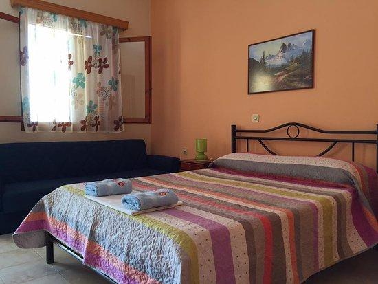 Kakovatos, กรีซ: Υπνοδωμάτιο με δυπλό κρεβάτι δύχωρου διαμερίσματος