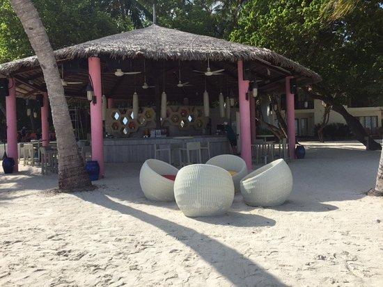 Club Med Kani: The beach bar has the best coffee