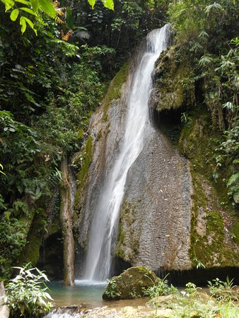 Nong Khiaw, لاوس: go for a swim at the waterfal