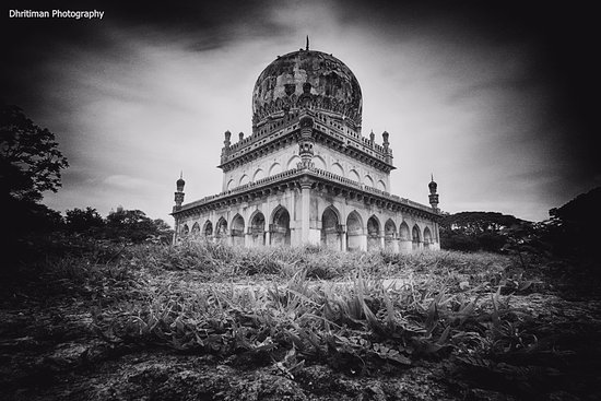 Qutb Shahi Tombs: The Largest of the Tombs