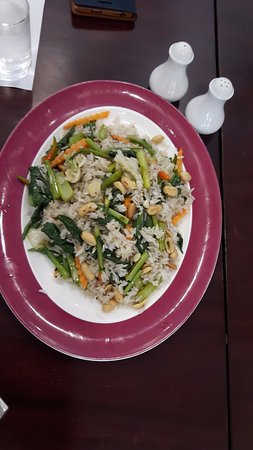 ميركيور باتايا: Special veg fried rice