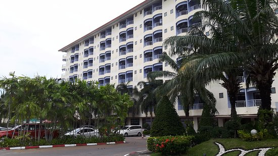 Mercure Pattaya Hotel: Building