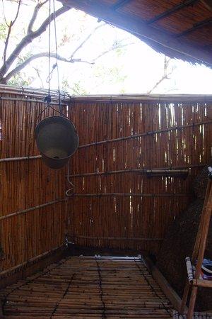 Cape Maclear, Malawi : Shower