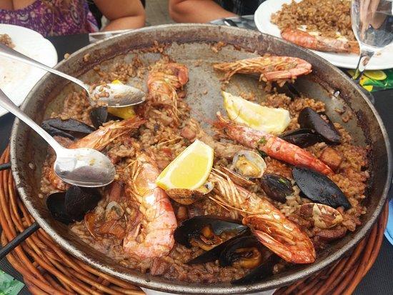 Rincon Gallego: Paella deliciosa