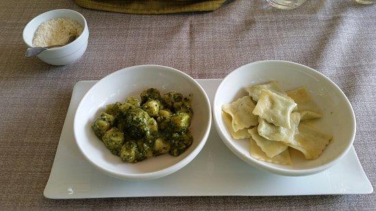 Condove, Italia: Gnocchi con pesto di mandorle e basilico .Tortelli di ricotta di bufala e borragine al burro