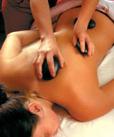 Остров Магнетик, Австралия: hot stone massage