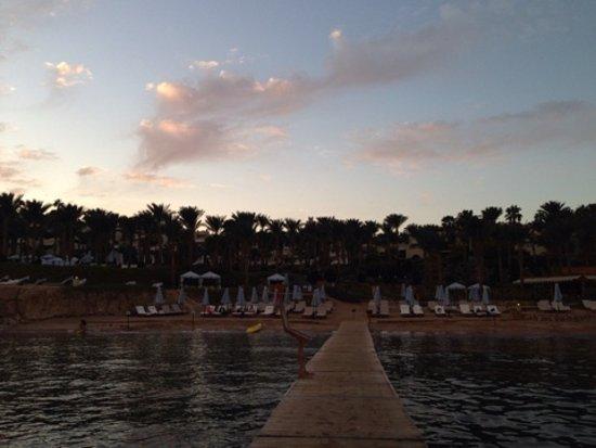 Four Seasons Resort Sharm El Sheikh: Пляж, со стороны моря