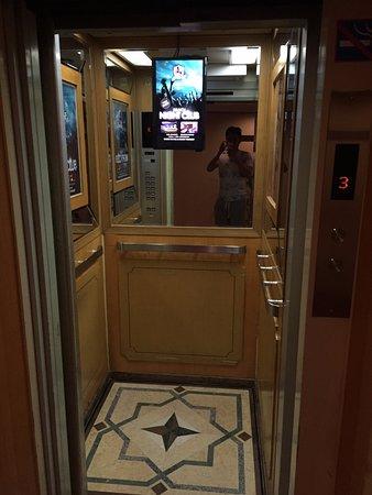 Son La, Βιετνάμ: 電梯非常小且舊
